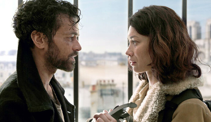 Romain Duris dan Olga Kurylenko dalam Just A Breath Away