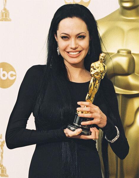 Angelina Jolie raih Oscar di 1999