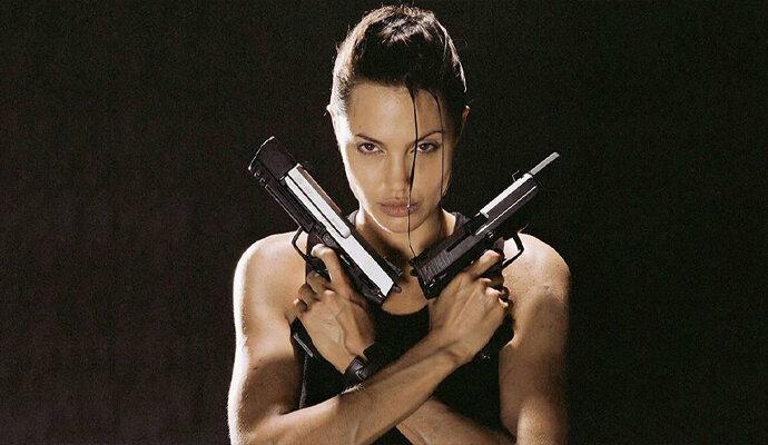 Angelina Jolie sebagai Lara Croft