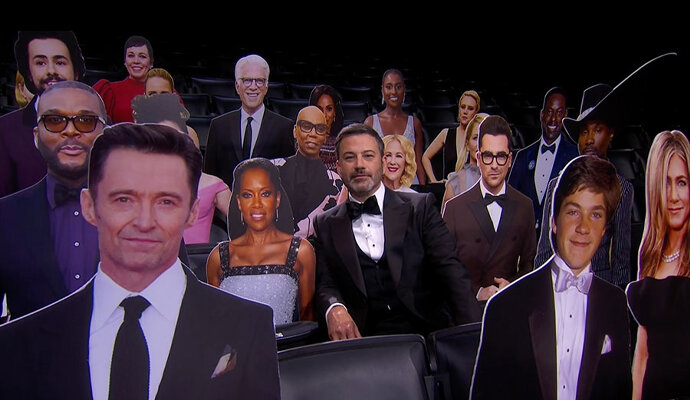 Jimmy Kimmel di tengah ratusan penonton palsu